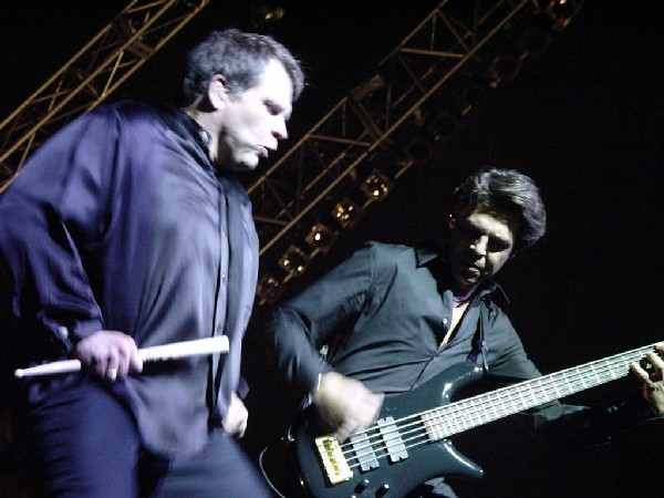 Kasim Sulton and Meat Loaf in Liverpool - 07/29/02