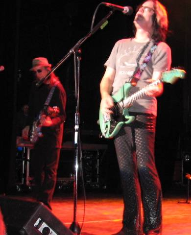 Kasim Sulton and Todd Rundgren at The Pabst Theater, Milwaukee, WI, 01/23/08 - photo by Chris Z