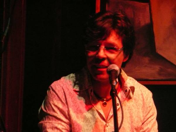 Kasim Sulton at Café Carpe, Fort Atkinson, WI - 05/16/10