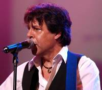 Kasim Sulton at the Glen Burtnik & Friends Jersey Beatles Bash IV, 09/18/10 - Photo by Gary Goat Goveia
