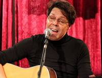 Kasim Sulton solo gig at The Record Collector, Bordentown, NJ, 11/17/2012 - photo by Gary Goat Goveia