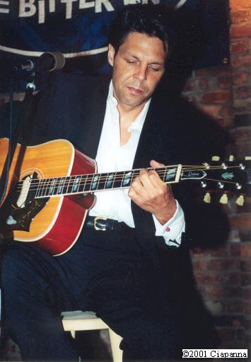 Kasim Sulton at The Bitter End, NYC, 8/18/01 - photo by Frank Ciapanna