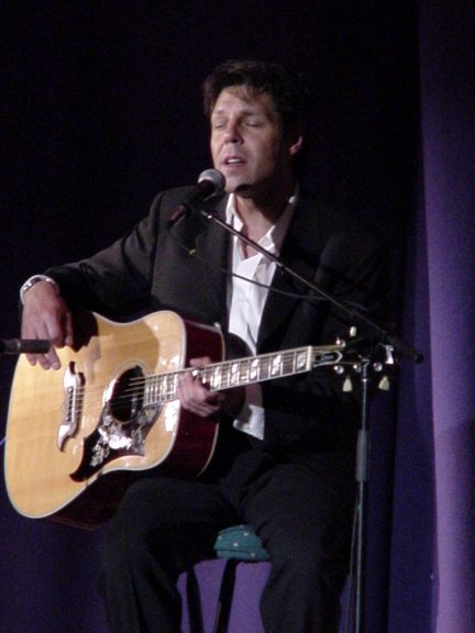 Kasim Sulton at The Little Theatre, Rochester, NY - 8/24/01