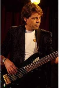Kasim Sulton at The Rex Theater, Pittsburgh,  PA, 12/07/07 - photo by Deb Elliott